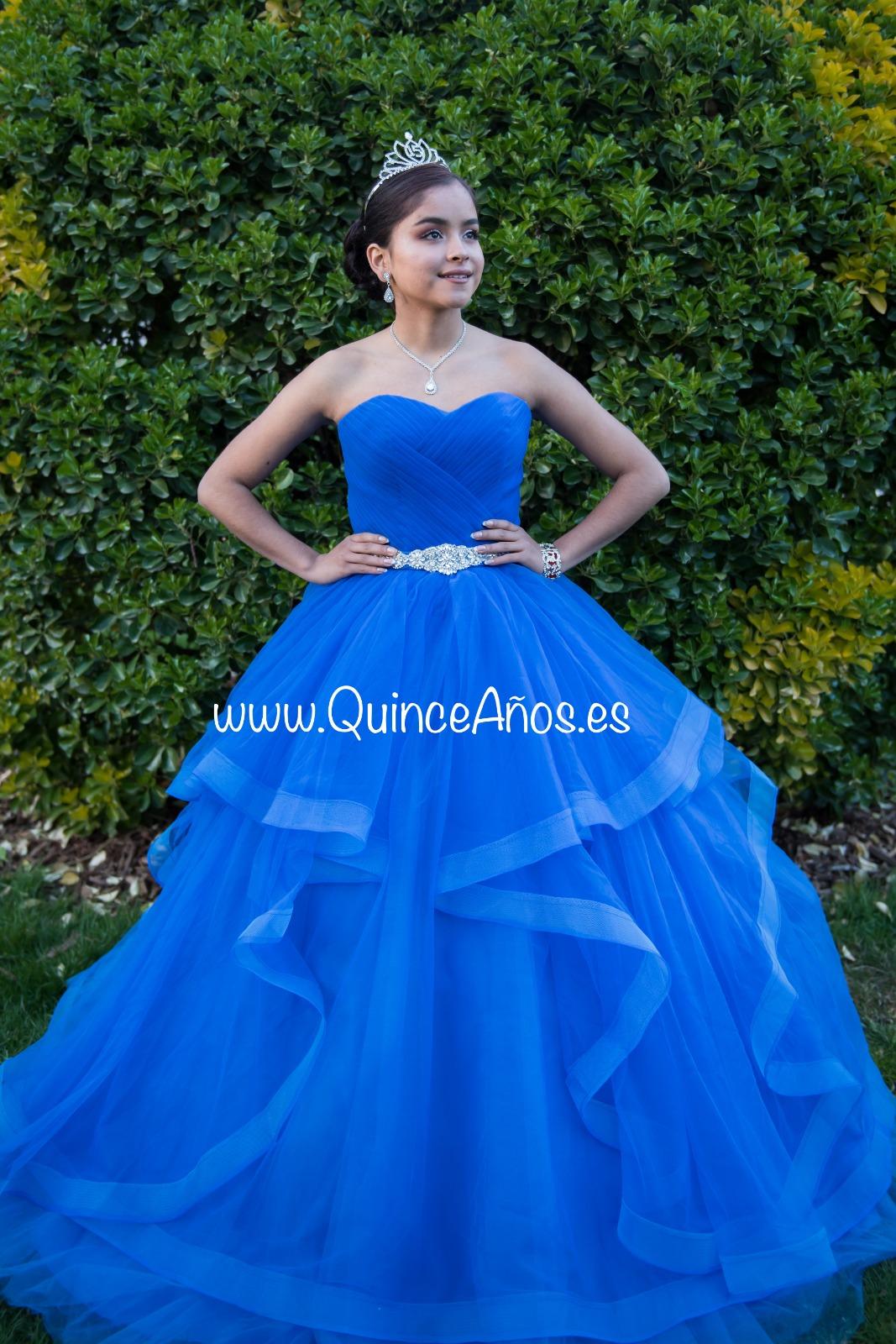 Vestido Largo Con Caída De Cascada Azul Marino Con Pedrería