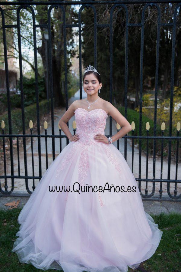 Vestido quinceñera con encaje